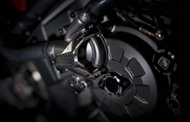 Ducati Monster 1200 phien ban Tricolore tu Motovation - 9