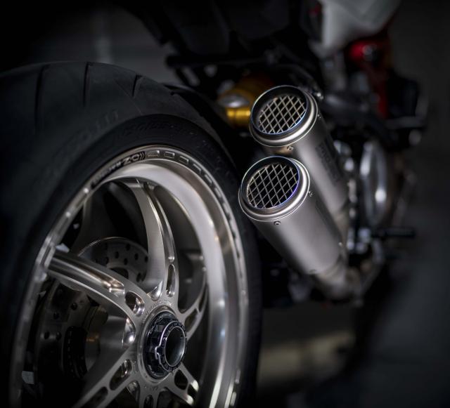 Ducati Monster 1200 phien ban Tricolore tu Motovation - 13