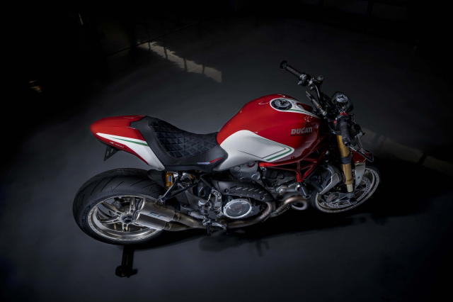 Ducati Monster 1200 phien ban Tricolore tu Motovation - 15