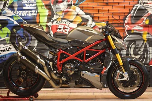 Ducati Streetfighter tao net day luc luong ben nghe thuat duong pho Graffiti - 5