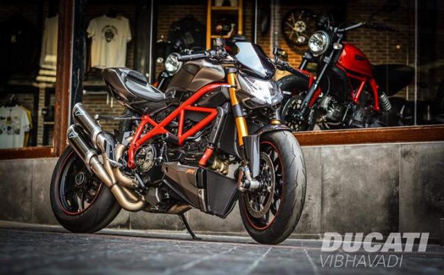 Ducati Streetfighter tao net day luc luong ben nghe thuat duong pho Graffiti - 9