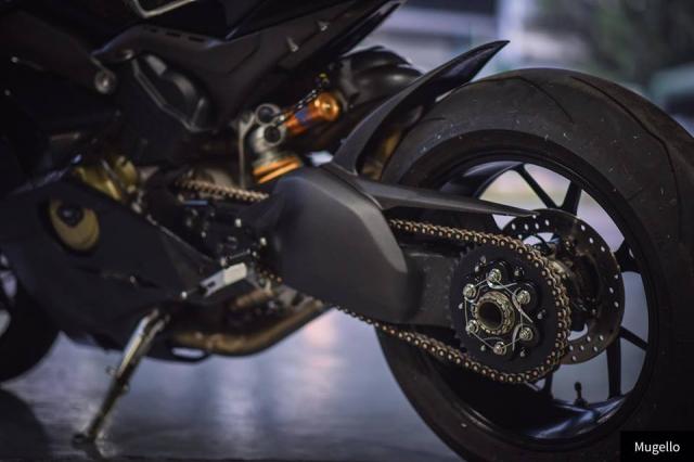 Ducati V4S Panigale ve dep toan nang voi trang bi full Black - 9