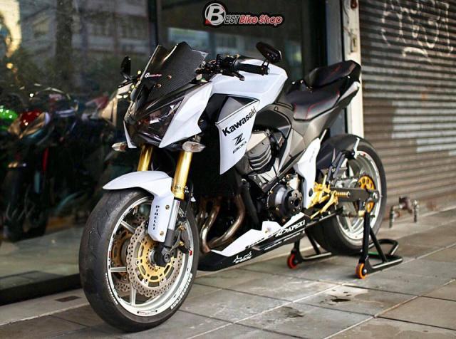 Kawasaki Z800 day suc hut voi tone mau trang tinh khoi - 11