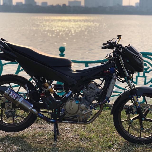 Satria 150 do khong mot manh vai che than - 3
