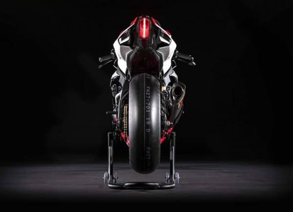 Yamaha R1 GYTR phien ban ky niem 20 nam ky thuat dua - 9