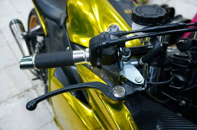 Yamaha R3 gay chu y voi phong cach Vang Chrome - 3