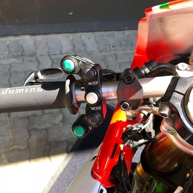 Ducati Panigale 1299R do full option duong dua dep ba chay - 7