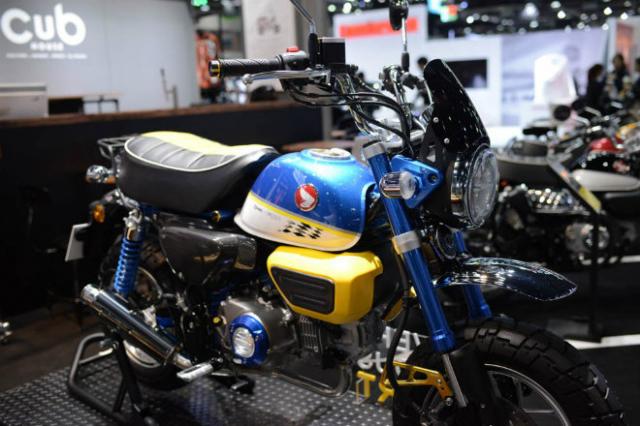 Honda Super Cub 125 Monkey ra mat phien ban gioi han so huu option do choi KHUNG - 11