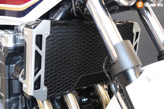 Huyen thoai Honda CB1300 Super Four phien ban ky niem 25 nam cap ben tai Viet Nam - 28