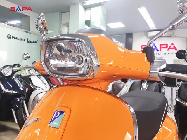 Vespa Sprint Cam dac quyen cho Nang tran day nhiet huyet - 8