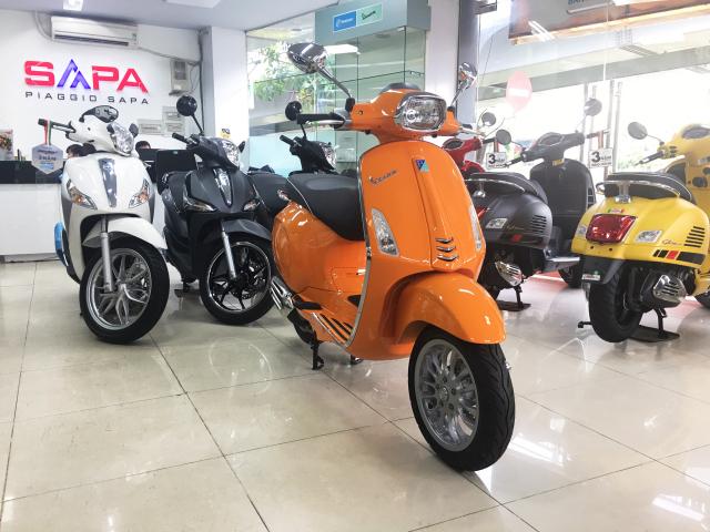 Vespa Sprint Cam dac quyen cho Nang tran day nhiet huyet - 7
