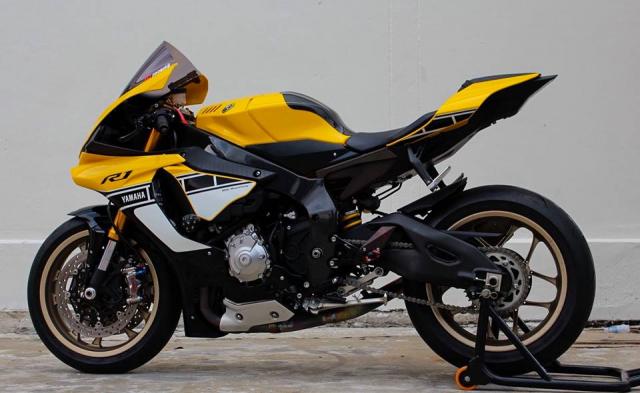 Yamaha R1 60th Anniversary Edition do hao nhoang voi trang bi tan rang - 19