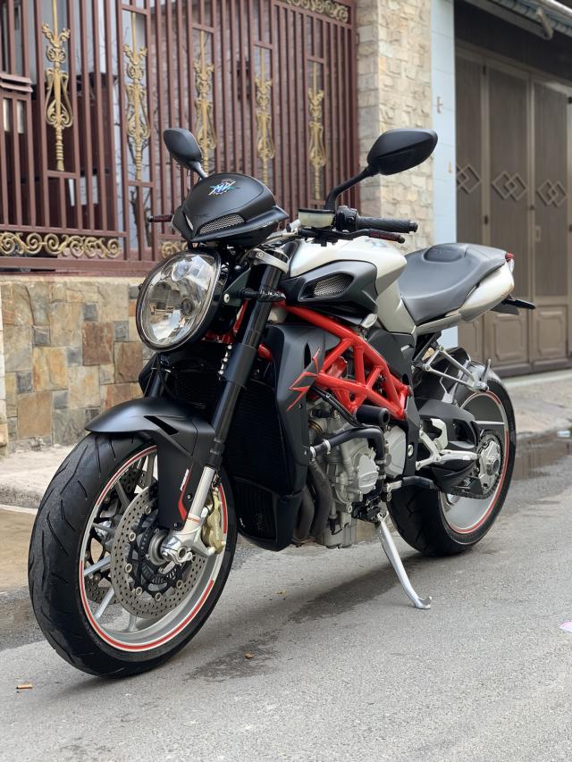 __Can Ban Xe MV AGUSTA Brutale 1090cc ABS DKLD T122016 odo 4800km HQCN ngay chu dung ban