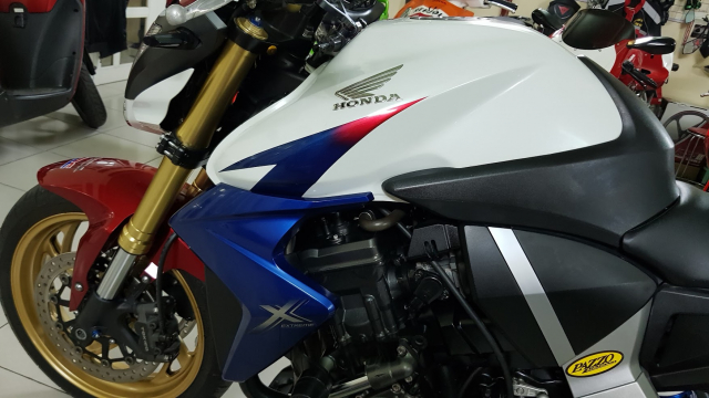 Ban Honda CB1000R Tricolor42012YHQCNHISSSaigonSo VIP 9 nut - 14