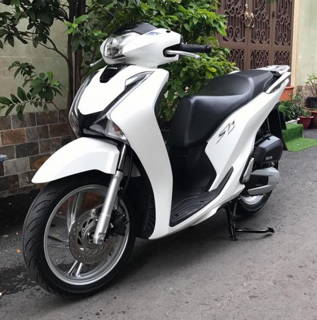 Ban xe SH Honda chinh hang gia re xe nhap khau giay to day du Can ban xe Honda SHi 150cc nhap