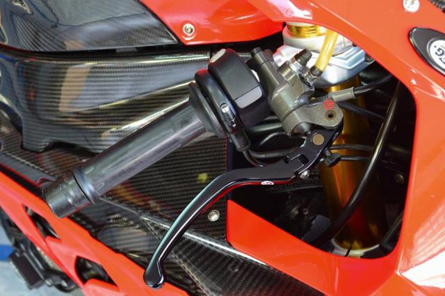 BMW S1000RR khung bo nguoi xem voi nang cap tuyet doi - 5