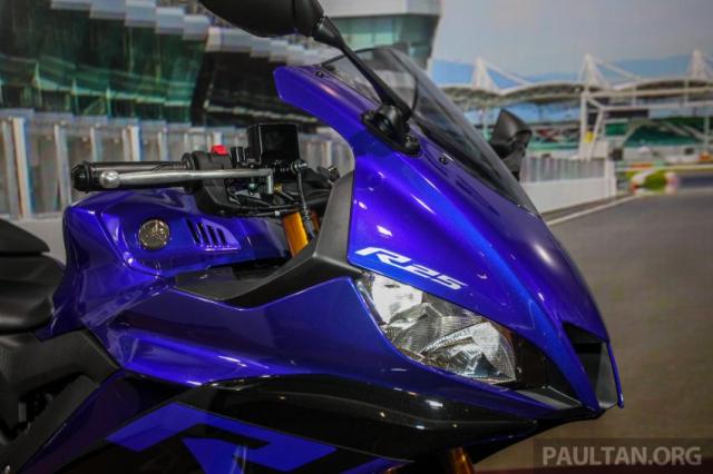 Can canh Yamaha R25 2019 vua chinh thuc ra mat tai Malaysia
