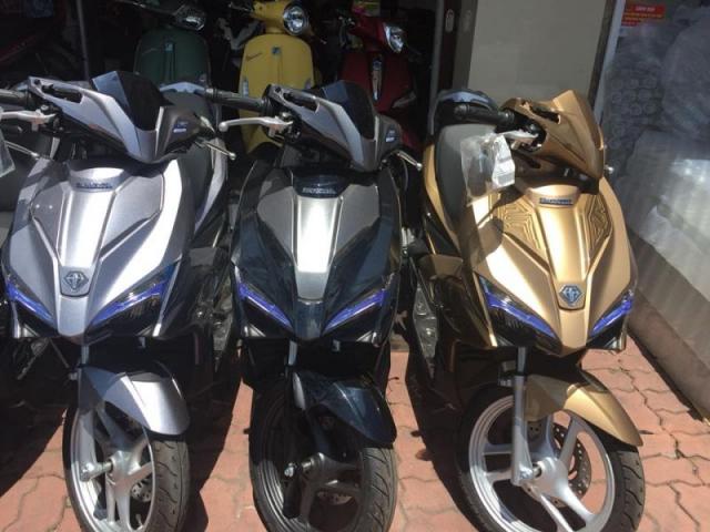 Can thanh ly cac dong xe may AIR BLADE 2018 Nhap khau gia re - 2
