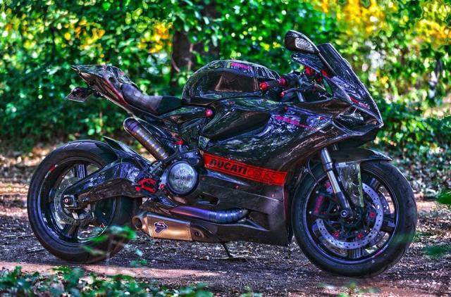 Ducati 899 Panigale ban do sieu cap mang trong minh bo giap Full Carbon fiber - 3