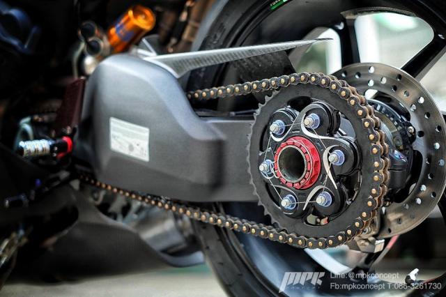 Ducati V4S Panigale do sieu tuong voi dan trang bi khung khiep - 15