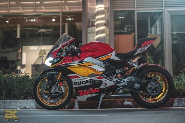 Ducati V4S Panigale Man nhan voi ban do sieu cap cua Biker Viet - 3