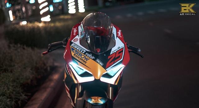 Ducati V4S Panigale Man nhan voi ban do sieu cap cua Biker Viet - 5