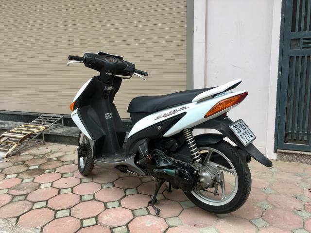 Honda Click trang bien 30H Chinh chu nu su dung