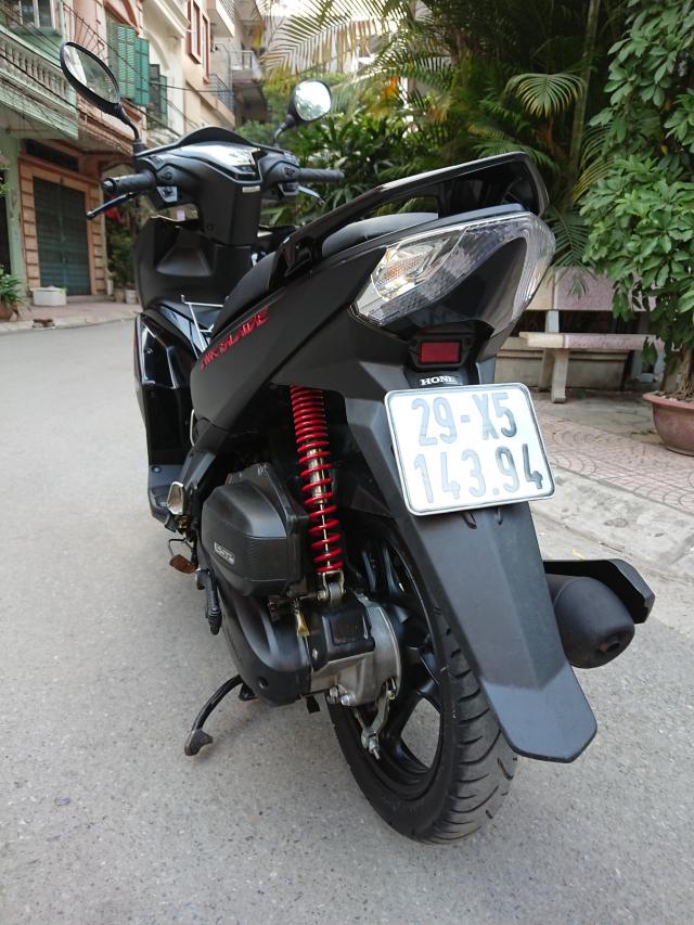 Rao ban Honda Air blade 125fi Black Edition 2015 den mo - 2
