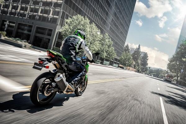 So sanh Honda CB500F VS Kawasaki Z400 2019 - 26