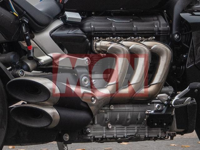 Triumph Rocket III 2019 doi thu cua Ducati XDiavel chinh thuc lo dien - 5