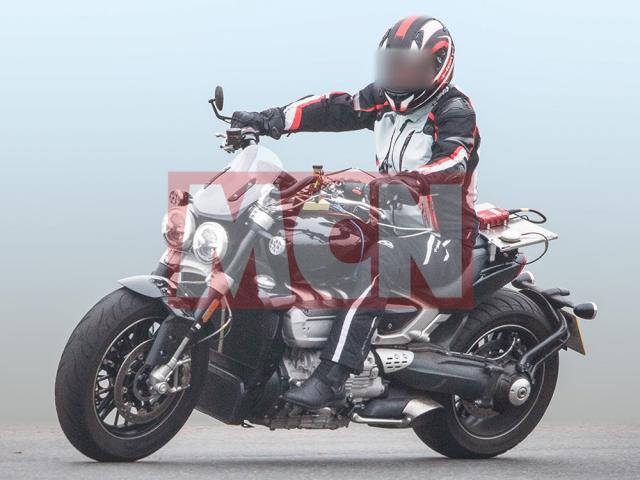 Triumph Rocket III 2019 doi thu cua Ducati XDiavel chinh thuc lo dien - 6