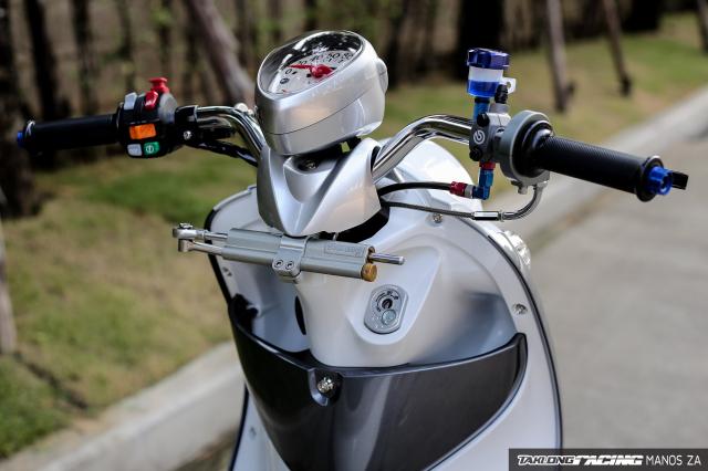 Yamaha Fino do mang doi chan toc bien day kinh dien tren dat Thai