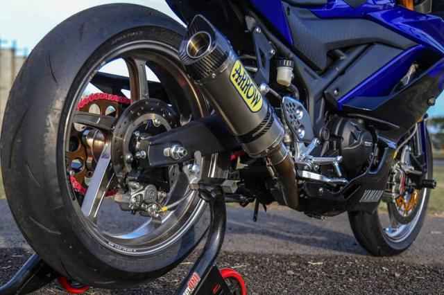 Yamaha R3 2019 do cuc shock voi dan chan OZ Racing hang nang