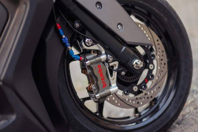 Yamaha XMax300 do gay can voi he thong phanh Brembo Billet cao cap - 5