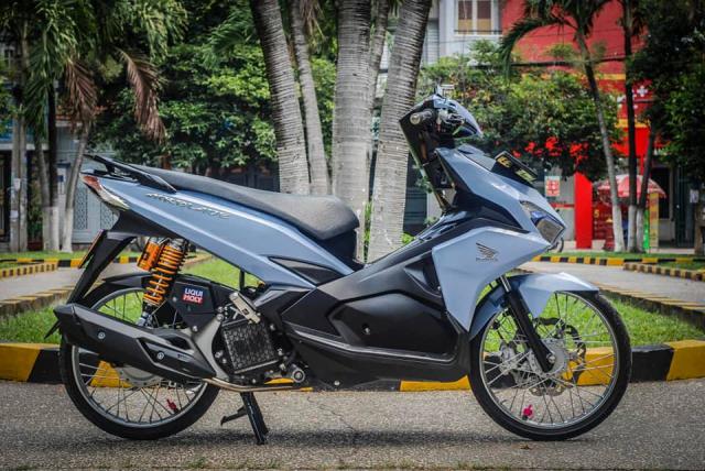 Air Blade 125 do xuong dan chan muot nhu Ngoc Trinh cua biker Sai Gon - 3