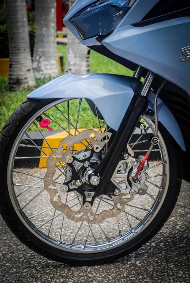 Air Blade 125 do xuong dan chan muot nhu Ngoc Trinh cua biker Sai Gon - 5