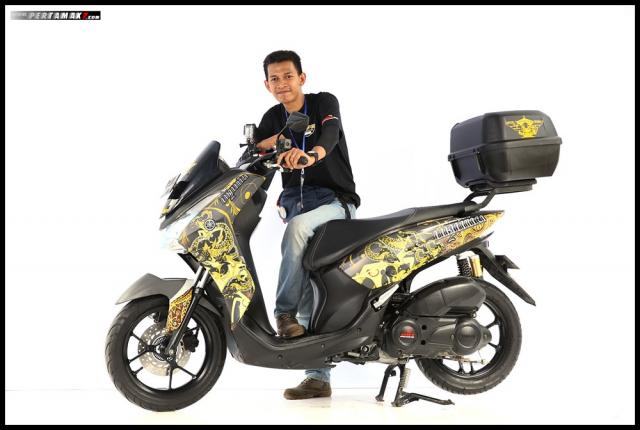 Chiem nguong Nmax Aerox 155 do tai cuoc thi Yamaha Custo Maxi - 11