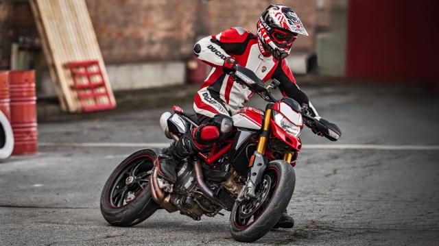 Ducati Hypermotard 950 sap ve VN voi gia ban gan nua ty dong - 5
