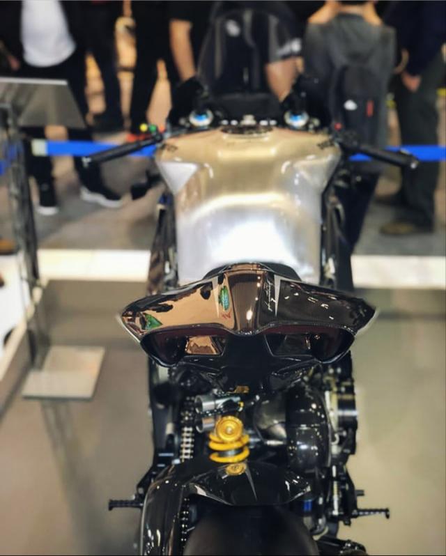 Ducati Panigale V4R Carbon Dinh dang Ca map 2019 voi trang bi full body Carbon - 4