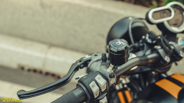 Ducati Scrambler 1100 Sport do Ve dep thanh lich day ap cong nghe tren duong pho Viet - 20