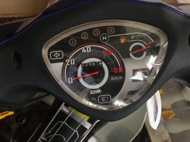 Elegant 50cc moi tinh dang ki 92017 chi chay 2500km - 2