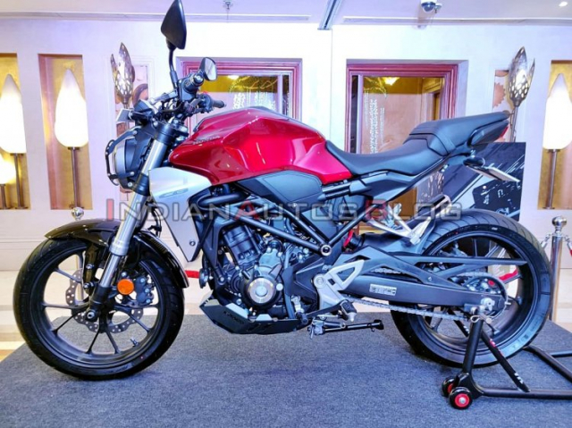 Honda CB300R phien ban Accessories vua duoc gioi thieu voi nhieu trang bi hap dan - 3