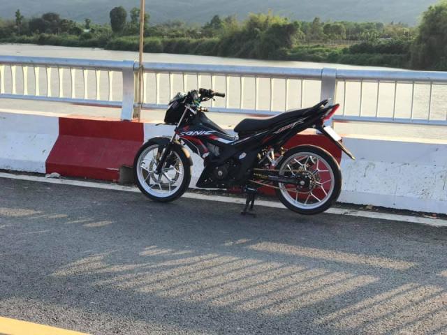 Sonic 150 do bai ban gon gang va day thu vi cua tay choi xe Binh Duong - 6
