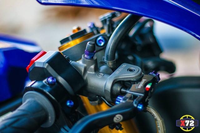 Yamaha R1 do het bai day noi bat voi loat trang bi khung cua Biker xu bien - 4