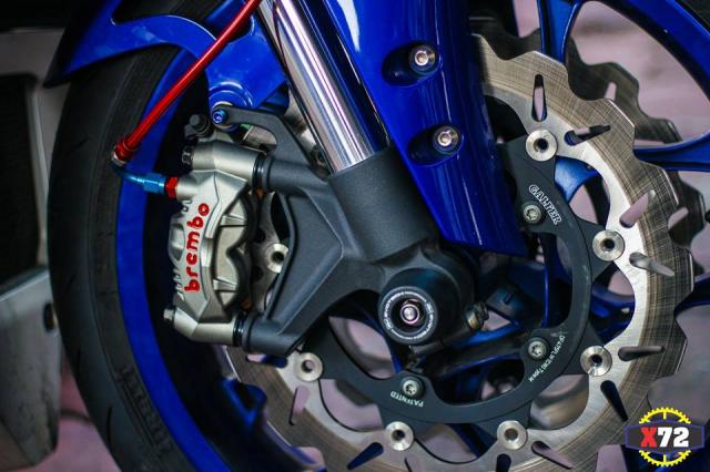 Yamaha R1 do het bai day noi bat voi loat trang bi khung cua Biker xu bien - 7