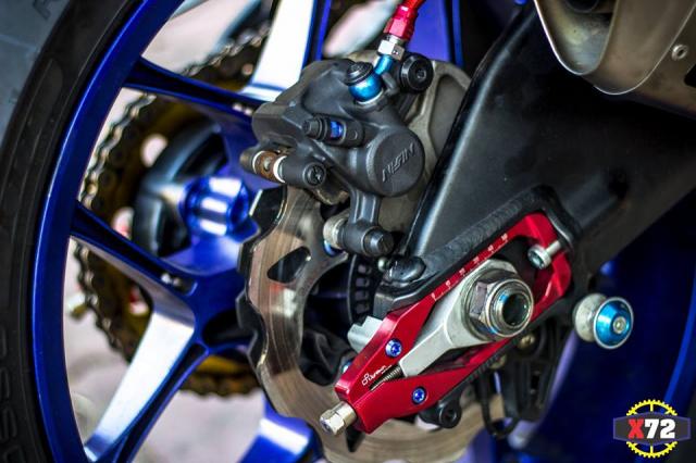 Yamaha R1 do het bai day noi bat voi loat trang bi khung cua Biker xu bien - 12