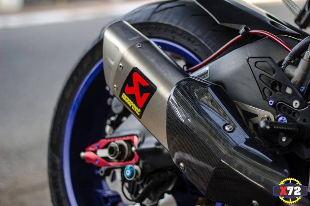 Yamaha R1 do het bai day noi bat voi loat trang bi khung cua Biker xu bien - 14