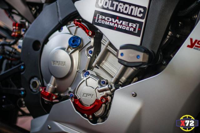 Yamaha R1 do het bai day noi bat voi loat trang bi khung cua Biker xu bien - 10