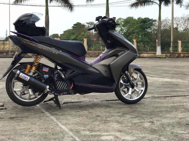 Air Blade do manh bao voi dan chan co bap cua biker Hung Yen - 3