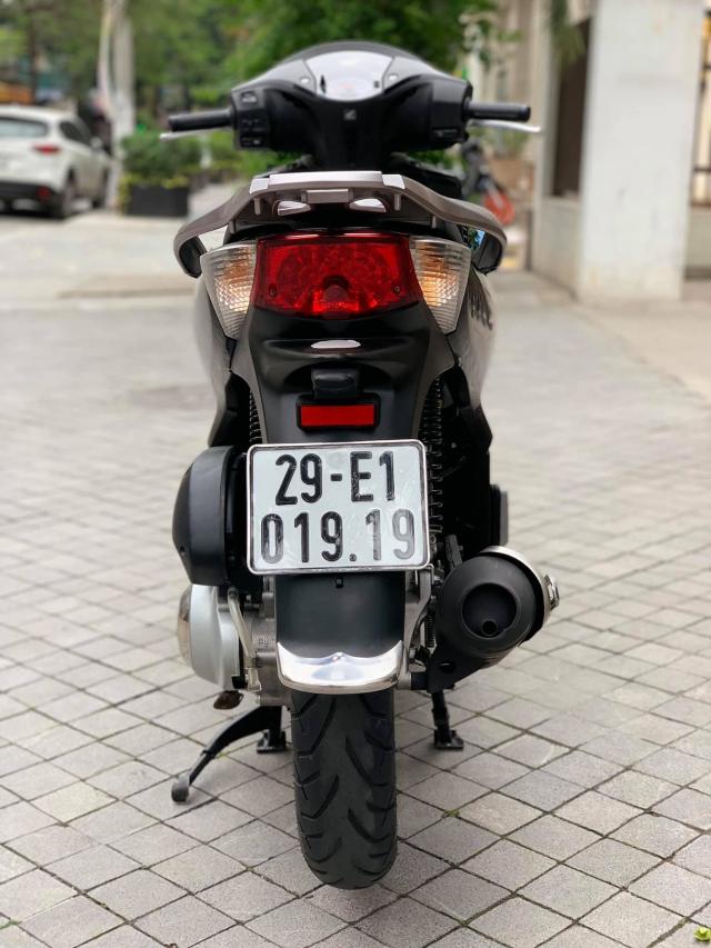 Ban SH Viet phom nhap 125 cuoi 2011 mau den bien Sieu Vip - 6